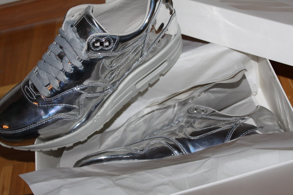 Nike Liquid Silver 2
