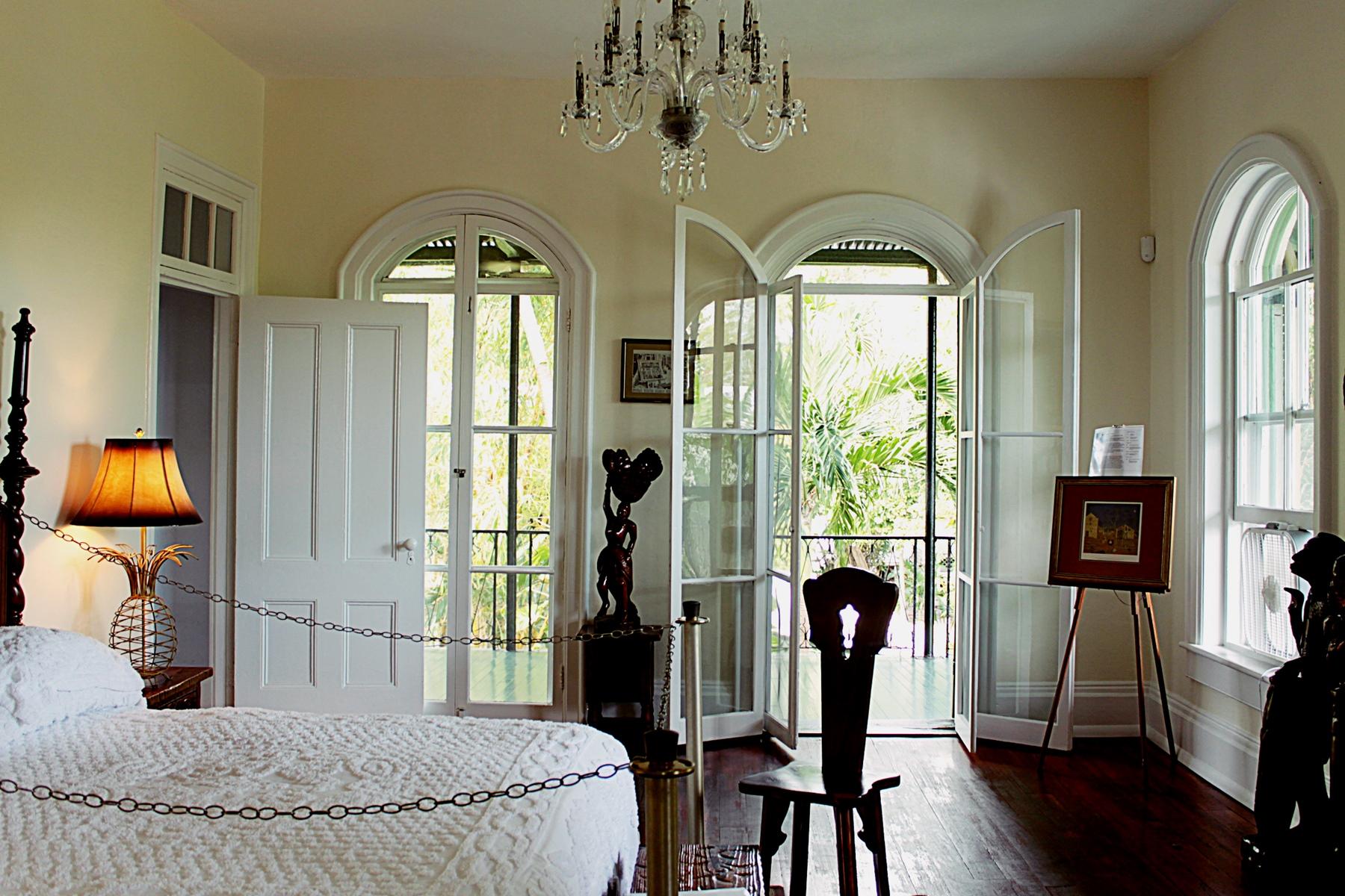ernest hemingway bedroom