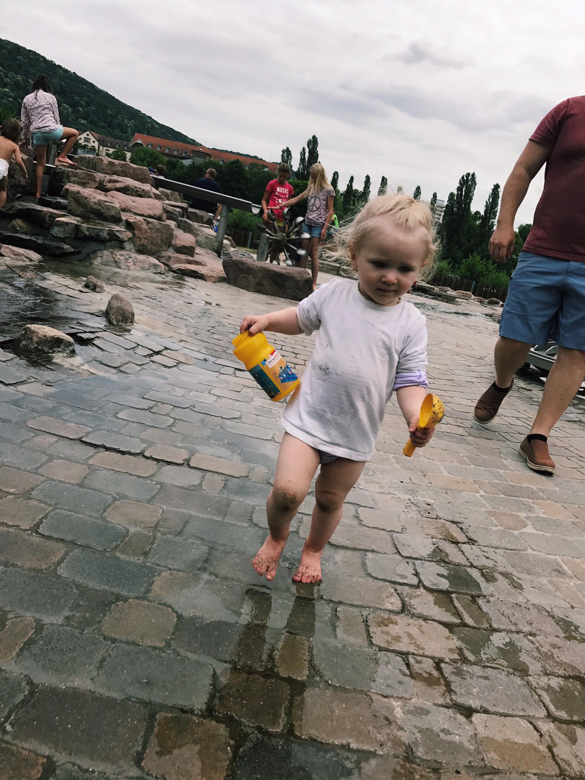 wasserspielplatz heidelberg sommer